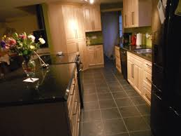 Kitchen Cabinets And Flooring Combinations Light Colored Oak Cabinets With Granite Countertop Maple