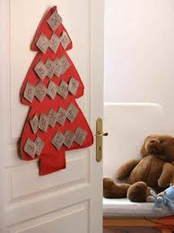tree decorating ideas knack celebrate season with recycled easy