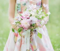 watercolor bridesmaid dresses styling your bridesmaids along with their bouquets green wedding