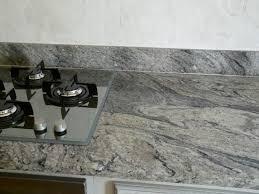 plan de cuisine en granit plan de travail cuisine granit espagne idée de modèle de cuisine