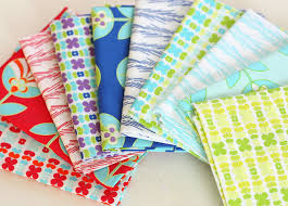 easy pinwheel mini quilt tutorial diary of a quilter a quilt blog