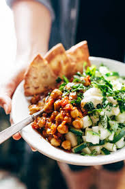 detox moroccan spiced chickpea glow bowl recipe pinch of yum