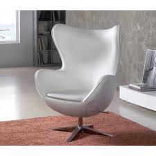 fauteuil design fauteuil design oeuf capitonné en simili cuir de couleur blanche