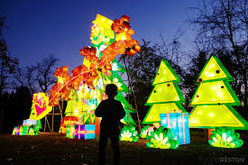 Zoo Lights Pictures by The Chinese Lantern Festival Might Be The Most Beautiful Holiday