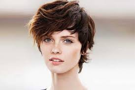 photos of short hair for someone in their sixes choosing a short hairstyle messy hairstyles for short hair