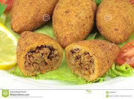 cuisine turque en cuisine turque boulettes de viande bourrées avec le bulgur kofte