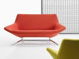 petit canape design 30 petits canapés pour un mini intérieur décoration