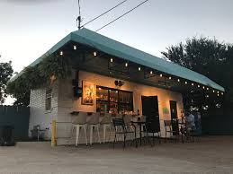 Tinder For Real Estate The Best Dallas Bars And Restaurants For A First Tinder Date