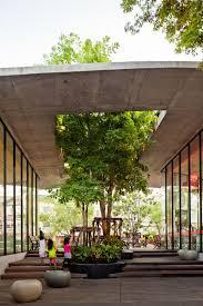 courtyard boutique hotels austin texas kimber modern at dusk water