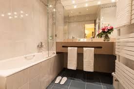 Bathtub 3 Persons Hotel Arc Hotel Booking Hotels 17 Cecilia Arc De Triomphe