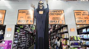 When Is Halloween In Usa Halloween 2016 Americans To Spend Record 8 4 Billion