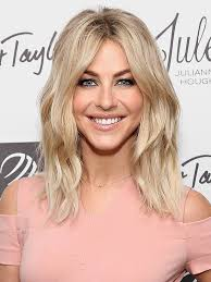 julianne hough shattered hair julianne hough just swapped her lob for wavy extensions could it be