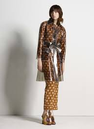 Is Brass Coming Back In Style 2017 Tory Burch Pre Fall 2017 Collection Vogue
