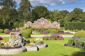 the uk u0027s beautiful gardens are the perfect place to enjoy this