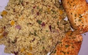 poivron cuisine recette pavé de saumon grillé et quinoa poivron oignon économique