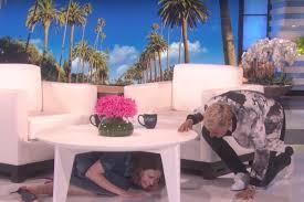 Ellen Bathroom Scares Watch Ellen Degeneres Freaks Out Sarah Paulson With Clown Scare
