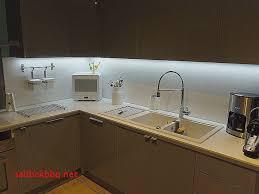 eclairage sous meuble cuisine led eclairage sous meuble cuisine a pile pour idees de deco de cuisine