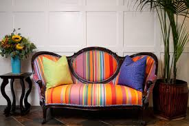 Vintage Settees For Sale Decorating With Antiques Sit Pretty On Settees And Sofas