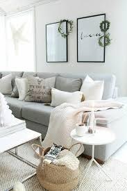 jetée de canapé pas cher déco salon jeté de canapé pas cher gris dans le salon moderne