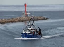noaa fisheries research vessel to visit boston offer public tours