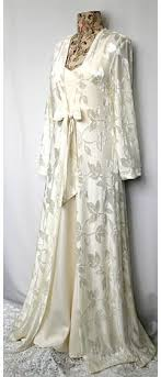 peignoir sets bridal bridal bliss this peignoir set covers you and reveals