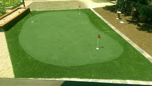 artificial or synthetic grass putting green installation