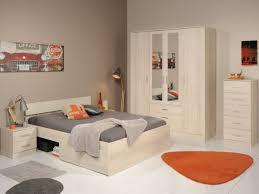 commode chambre adulte design commode chambre adulte design à 5 tiroirs en panneaux de particules