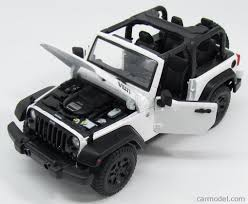 white and black jeep wrangler maisto 31610wh scale 1 18 jeep wrangler willys open 2014 white black