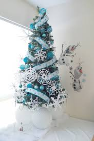 interior design cool snow themed christmas decorations room