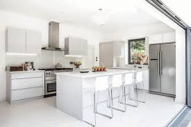Shiny White Kitchen Cabinets Tray Ceiling Dining Room Green Kitchen Wall White Kitchens Cabinet