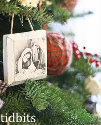 Primary Christmas Crafts - affordable small christmas gift idea distressed wood christmas