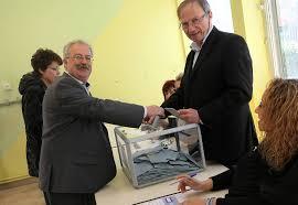 les bureaux de vote ferme a quel heure photos revivez le premier tour en direct des bureaux de vote