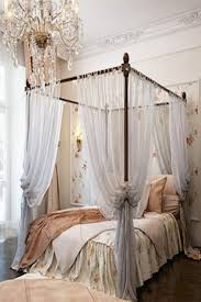 Pinterest Bedroom Decor by Best 25 Canopy Bed Curtains Ideas On Pinterest Bed Curtains