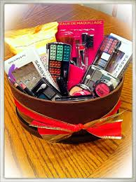 cheap baskets for gifts my diy 15 makeup basket all items bought at the dollar tree for