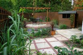 decoration for small gardens glamorous gardening ideas for small
