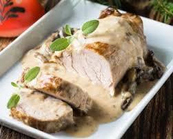 cuisiner le roti de porc recette de rôti de porc au reblochon et aux chignons