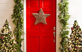 Decorated Christmas Trees Houzz by Real Vs Fake How To Choose The Right Christmas Tree