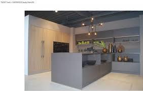 cuisine design toulouse cuisine en bois mur d armoire épurée contemporaine collection et