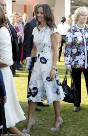 a royal day out for the middletons carole and pippa join the
