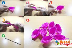 cara membuat bunga dengan kertas hias tutorial cara membuat bunga tulip dari kertas krep kreasi tangan