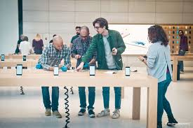 Apple Retail Jobs Jony Ive U0027s Vision For New Apple Stores Live Trees Cult Of Mac