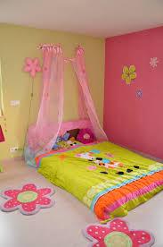chambre de princesse pour fille lit baldaquin princesse disney amazing coiffeuse princesse disney