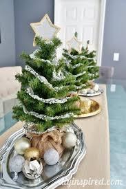 Photo Tree Centerpiece by Christmas Tree Centerpiece Fabulouslyfestive Diy Inspired
