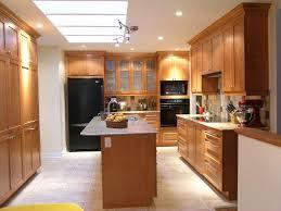 des cuisines en bois cuisine armoire de cuisine en bois moderne faceto trouvez les