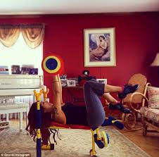 Weight Bench Set For Kids Snooki Tries Out Son U0027s Toy Bench Press Set After Healthy Breakfast