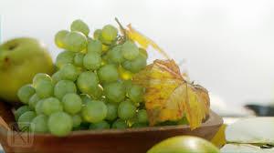 3d model fruit bowl grapes leaves apples cut damast knife vr
