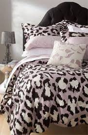 animal print bedroom ideas what colors go with leopard cheetah