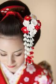 japanese inspired styling interesting use of kanzashi geisha