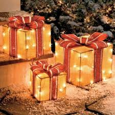 Christmas Outdoor Decorations Gift Boxes by 50 Best Outdoor Christmas Gold Images On Pinterest Outdoor