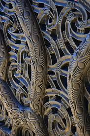 the detail of maori carvings
